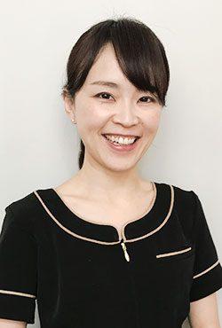 中津川 綾子